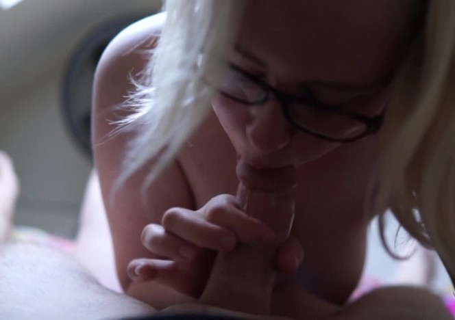 content/042419_barely_18yo_mia_glowstick_pussy_stretch_blowjob_mouth_cum_ball_suck/0.jpg