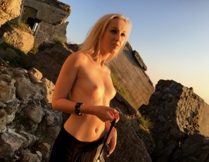 content/051017_public_blowjob_from_ranta_in_some_beach_fortress_ruins/2.jpg