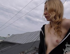 content/101117_public_rooftop_blowjob_in_old_town_riga_latvia/2.jpg
